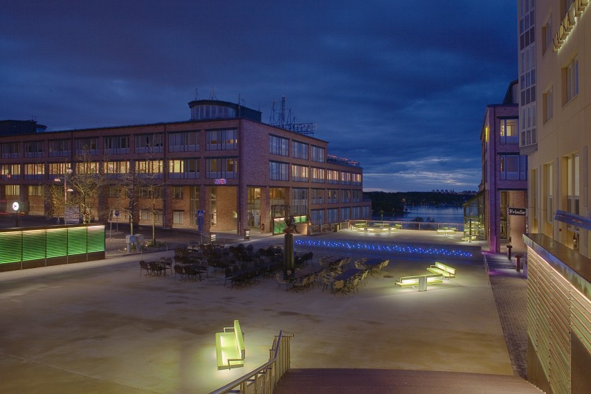 ©Vesa Honkonen. Nacka. Foto: Jussi Tianen. Beställare: Vasakronan.